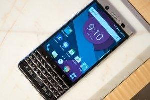 Новый QWERTY-смартфон от компании BlackBerry - изображение