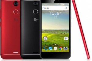 Fly Selfie 1: металлический смартфон с двумя 13-мегапиксельными камерами  - изображение