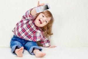 Какой телефон купить ребенку - как правильно выбрать телефон для ребенка  - изображение