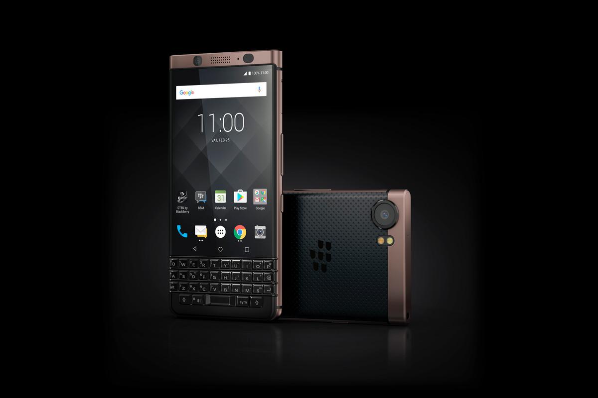 Представлен смартфон BlackBerry KEYone Bronze Edition - изображение
