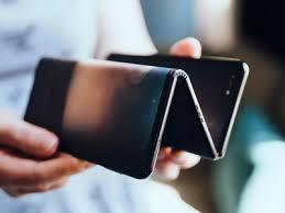 Компания TCL работает над созданием гибрида смартфона и планшета с раздвигающимся экраном - изображение