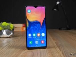 В продажу поступил смартфон Samsung Galaxy A10e - изображение