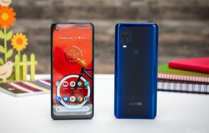 Первое знакомство с Motorola One Vision: 6.3 дюймовая панель + 25МП фронталка - изображение