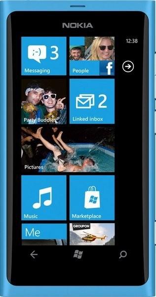 Фото Nokia Lumia 800